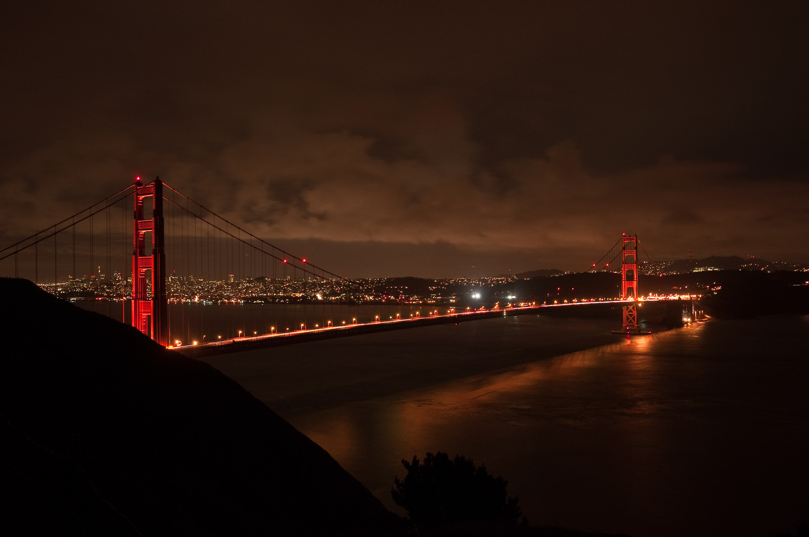 Golden gate by night techie for Golden night